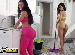 Latinas gostosas fazendo faxina