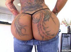Tatuada muito gostosa na trepada da boa