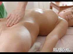 Massagem gostosa na novinha peladinha