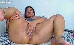 Amadora putinha em xvideo de masturbação gostosa